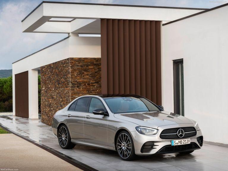Μercedes-Benz E-Class: Oι τεχνολογικές καινοτομίες και η υβριδική τεχνολογία κερδίζουν τις εντυπώσεις   tanea.gr
