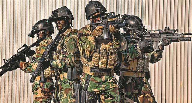 Ένοπλες Δυνάμεις : Σαρωτικές αλλαγές με νέες προσλήψεις, γυναίκες στο χακί και νέο μοντέλο για τις ειδικές δυνάμεις | tanea.gr