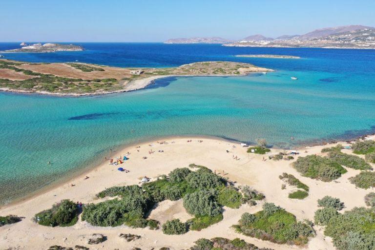 Γώγος : Μάσκες ακόμη και στην παραλία σε Πάρο – Αντίπαρο | tanea.gr
