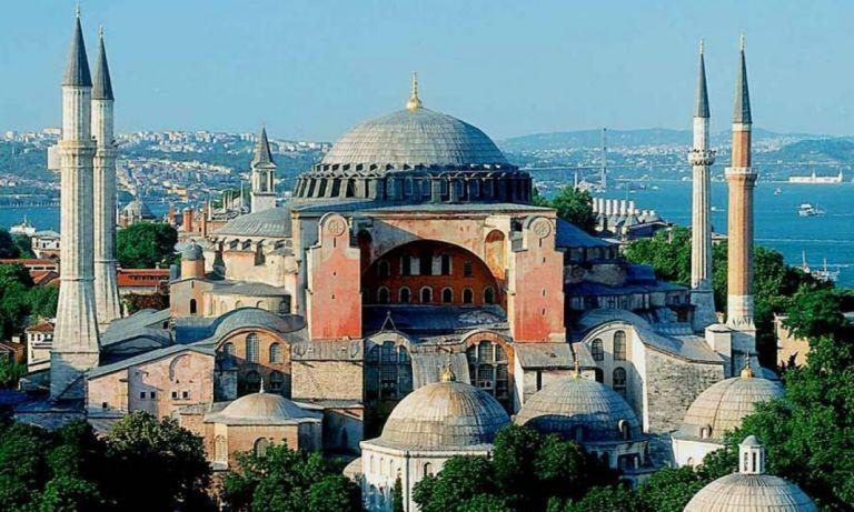 Αγία Σοφία : Άνοιξαν λάβαρα των Ταλιμπάν μέσα στο ναό φωνάζοντας «Αλλάχου Ακμπάρ» | tanea.gr