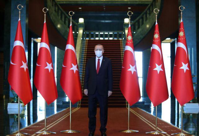 Ερντογάν μαινόμενος: Δεν θα επιτρέψουμε πειρατείες σε Αιγαίο και Μεσόγειο   tanea.gr