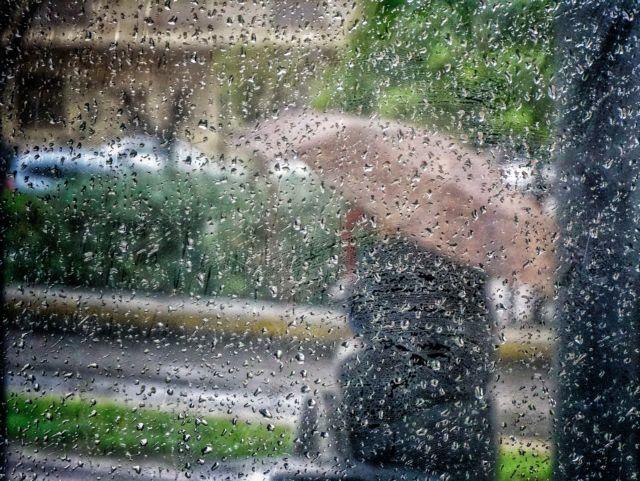 Μουντός ο καιρός και σήμερα - Βροχές και καταιγίδες σε όλη τη χώρα   tanea.gr