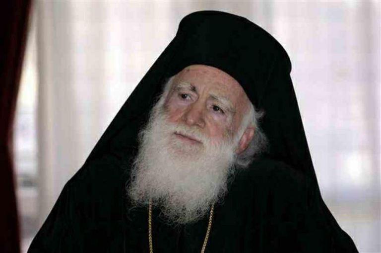 Απίστευτη προτροπή από τον Αρχιεπίσκοπο Κρήτης Ειρηναίο: Μη φοράτε μάσκες κάνουν κακό στην πίστη | tanea.gr