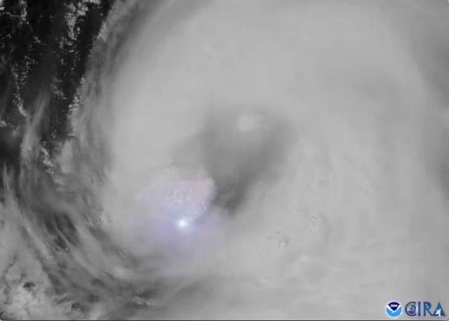 ΗΠΑ: Αναβαθμίστηκε σε κυκλώνα η τροπική καταιγίδα Λόρα   tanea.gr