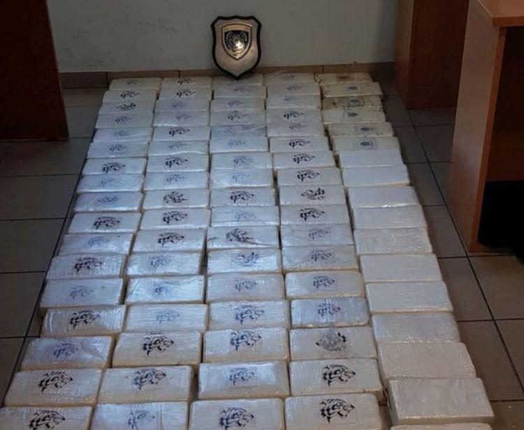 Πάτρα: Σκύλος του λιμενικού εντόπισε φορτηγό με 100 κιλά κοκαΐνης στο λιμάνι - Συνελήφθη 63χρονος   tanea.gr