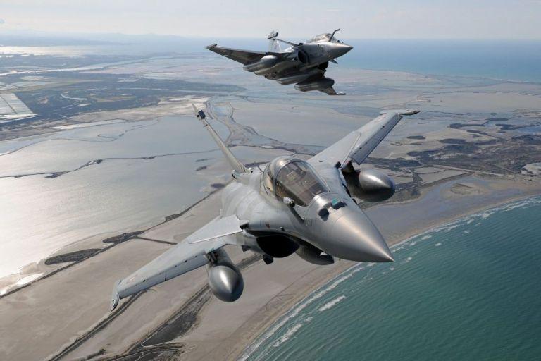 Γαλλικά «Rafale» πέταξαν πάνω από την περιοχή της παράνομης τουρκικής NAVTEX   tanea.gr