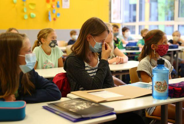 Γαργαλιάνος για λειτουργία σχολείων και μάσκα που θα φορούν τα παιδιά - Ερχονται σποτάκια και ενημέρωση | tanea.gr