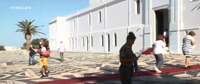 Αποστολή του MEGA στην Τήνο : Μειωμένη η παρουσία πιστών – Χωρίς λιτανεία ο εορτασμός της Παναγίας | tanea.gr