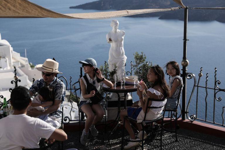 Προσπαθούν να σώσουν τη σεζόν οι ξενοδόχοι - Ποντάρουν στις κρατήσεις τελευταίας στιγμής | tanea.gr
