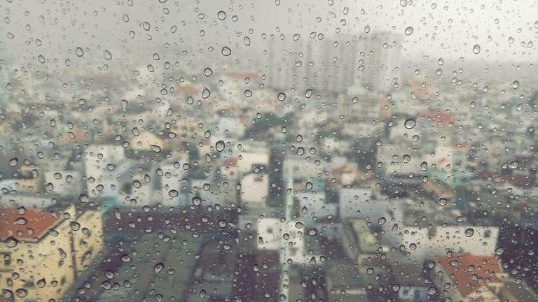 Καιρός : Πτώση της θερμοκρασίας με τοπικές βροχές την Παρασκευή   tanea.gr