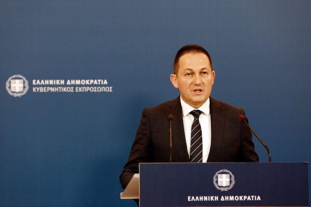 Παρακολουθήστε την ενημέρωση των δημοσιογράφων από τον Στέλιο Πέτσα | tanea.gr