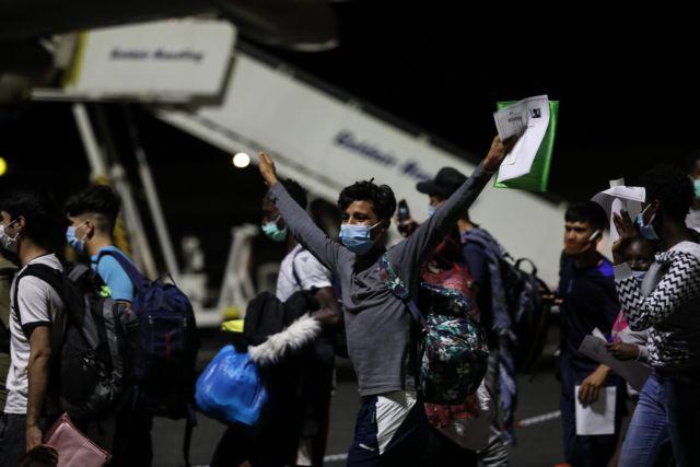 Μόρια: Έτσι μεταφέρθηκαν στη Θεσσαλονίκη τα ασυνόδευτα προσφυγόπουλα   tanea.gr