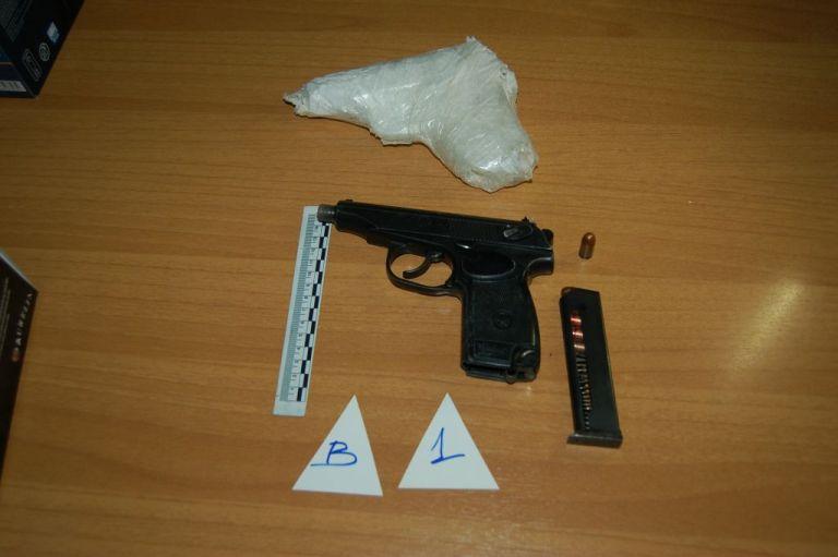 Φυλακές Κέρκυρας : Δείτε τα όπλα που βρήκαν τα ΕΚΑΜ στα κελιά κρατουμένων   tanea.gr