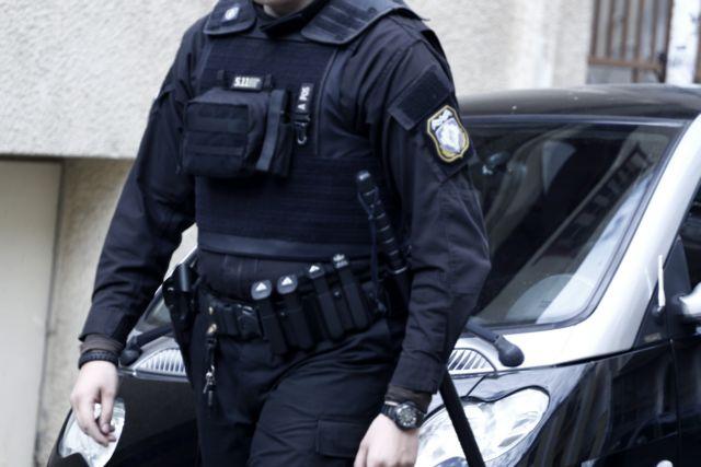 Κινητοποίηση της ΕΛ.ΑΣ. για την κλοπή όπλου από αστυνομικό στα Εξάρχεια | tanea.gr
