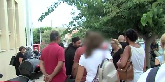 Κοροναϊός: Στο δικαστήριο χωρίς μάσκα ο ιερέας για το κήρυγμα κατά των μέτρων | tanea.gr