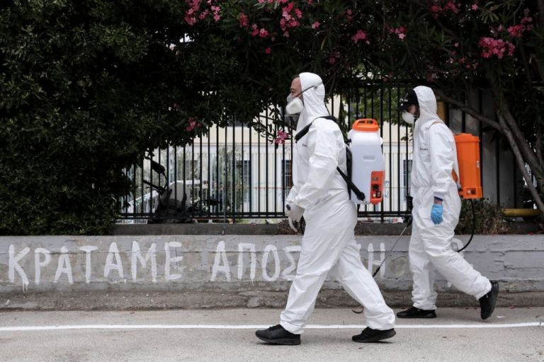 Βατόπουλος στο MEGA: Εύκολα εφαρμόσιμο μέτρο η γενικευμένη χρήση της μάσκας | tanea.gr