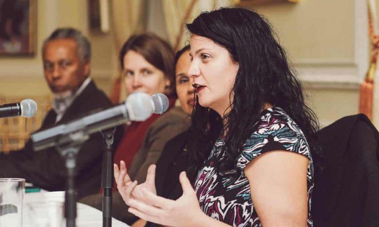 ΗΠΑ: Λευκή ακαδημαϊκός και ακτιβίστρια υποδυόταν επί χρόνια την… μαύρη | tanea.gr