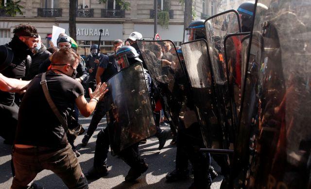 Επέστρεψαν τα «Κίτρινα Γιλέκα» – Επεισόδια και 154 συλλήψεις στο Παρίσι | tanea.gr