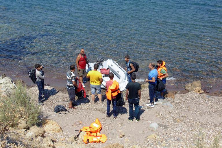 Εξαρθρώθηκε κύκλωμα παράνομης εισόδου αλλοδαπών – Εμπλέκονται 30 μέλη ΜΚΟ   tanea.gr
