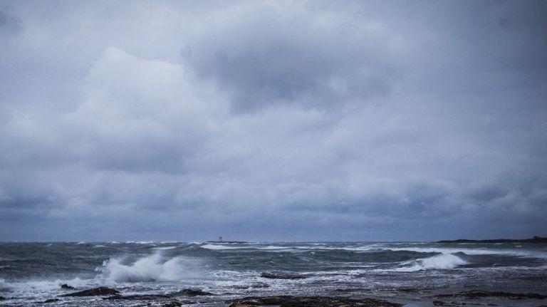 «Ιανός»: Δείτε ζωντανή εικόνα από τις περιοχές που σαρώνει ο μεσογειακός κυκλώνας   tanea.gr