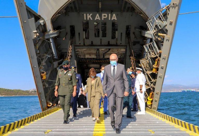 Το Αρματαγωγό ΙΚΑΡΙΑ απέπλευσε για το Λίβανο για να μεταφέρει ανθρωπιστική βοήθεια | tanea.gr