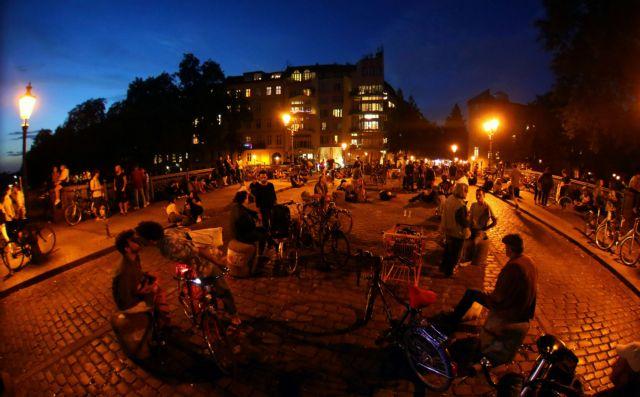Γερμανία: Αυστηρά μέτρα μετά τα δεκάδες κρούσματα κοροναϊού σε πάρτι | tanea.gr