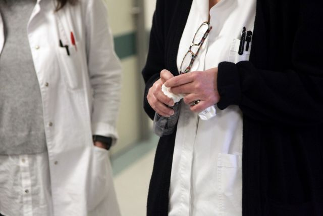 ΠΟΕΔΗΝ: Εξι υγειονομικοί με κοροναϊό στα Γιαννιτσά | tanea.gr