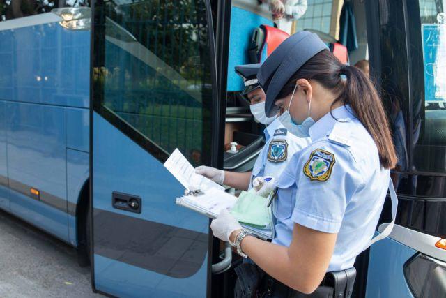 Κοροναϊός: Εντείνονται οι έλεγχοι για την εφαρμογή των μέτρων – Δεκάδες πρόστιμα για μη χρήση μάσκας | tanea.gr