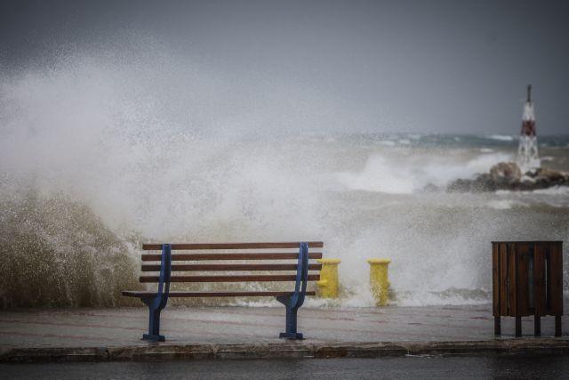 «Ιανός»: Προειδοποίηση για κύματα ύψους 7 μέτρων και 200 τόνους βροχήανά στρέμμα | tanea.gr