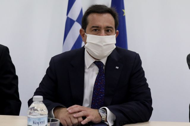 Μηταράκης στο MEGA: Αν οι πρόσφυγες δεν μπουν με συζήτηση στη νέα δομή θα τους βάλει η Αστυνομία | tanea.gr