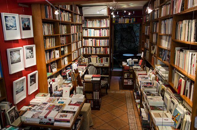 ΥΠΠΟΑ: Voucher για αγορά βιβλίων σε ανέργους 15-24 ετών | tanea.gr