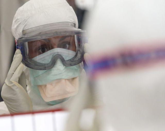 Νοσοκομειακός γιατρός προς αρνητές μάσκας και συνωμοσιόπληκτους: «Ελάτε στην εφημερία...» | tanea.gr