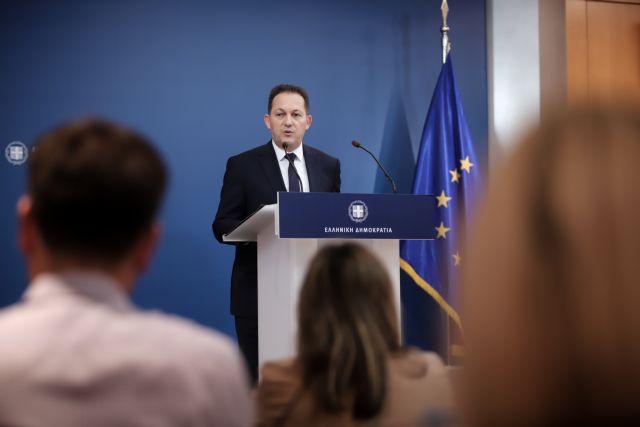 Live η ενημέρωση του κυβερνητικού εκπροσώπου Στ. Πέτσα   tanea.gr