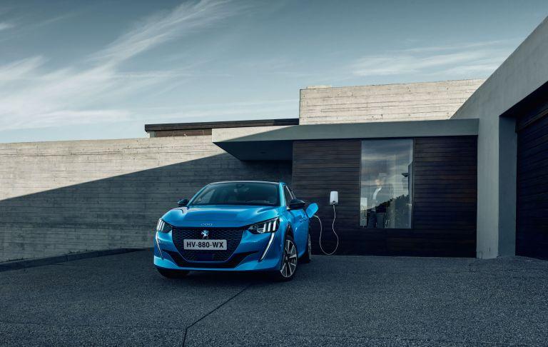 Πρώτη σε πωλήσεις ηλεκτρικών η Peugeot | tanea.gr