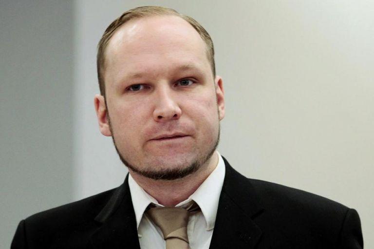 Αποφυλάκιση υπό όρους ζητά ο κατά συρροήν δολοφόνος Μπράιβικ | tanea.gr