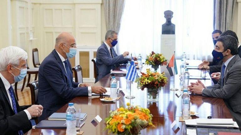 Τα Εμιράτα σε ρόλο - κλειδί - Η Ελλάδα ενισχύει τις επαφές της | tanea.gr
