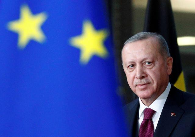 Οι ξένοι επενδυτές γυρίζουν την πλάτη στην Τουρκία - Αθρόες αγορές μετοχών από ντόπιους   tanea.gr