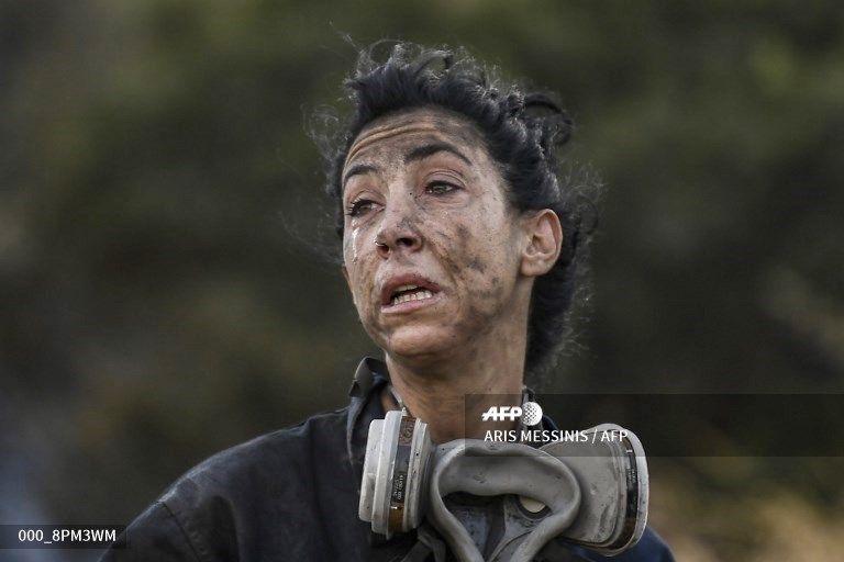 Η γυναίκα που ενσάρκωσε την προσπάθεια κατάσβεσης στην Ανάβυσσο   tanea.gr