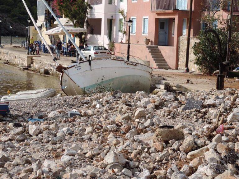 Δήμαρχος Κεφαλλονιάς: Έχουν καταστραφεί τα πάντα – Φοβάμαι για τον χειμώνα που έρχεται | tanea.gr