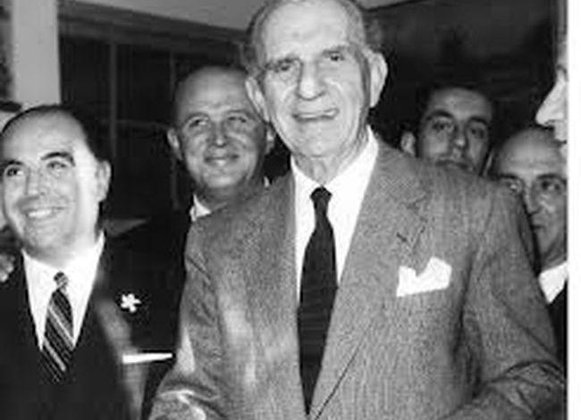 19/9/1961: Ιδρύεται η Ένωση Κέντρου   tanea.gr