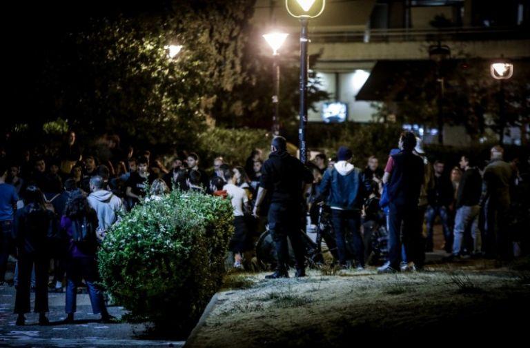 Κορωνοϊός : Άρχισαν οι περιπολίες στις πλατείες κατά του συνωστισμού   tanea.gr