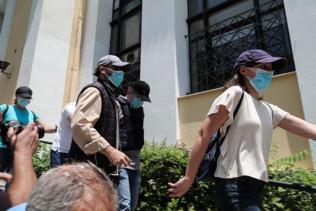 Ερωτηματικά προκαλεί η καταγγελία για διάρρηξη στη βίλα του ψευτογιατρού | tanea.gr