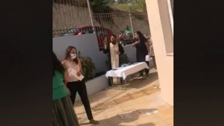 Κρήτη: Συνελήφθη ο ιερέας που έκανε κήρυγμα σε μαθητές κατά της μάσκας | tanea.gr