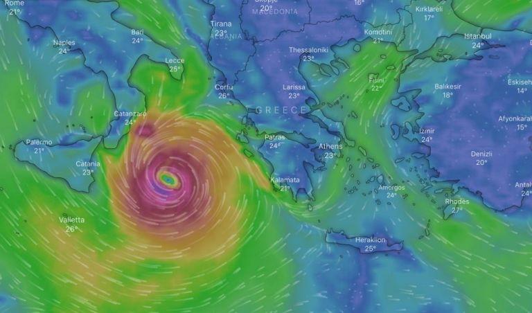 Κακοκαιρία «Ιανός»: Παρακολουθήστε live την πορεία του μεσογειακού κυκλώνα - Το απόγευμα η επιδέινωση | tanea.gr