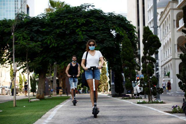 Κοροναϊός: Ανοιχτό ενδεχόμενο για μάσκα στον δρόμο αφήνουν οι επιδημιολόγοι | tanea.gr