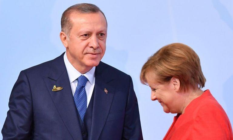 Τουρκικά ΜΜΕ: Ο Ερντογάν θα παραπονεθεί στη Μέρκελ για τον τεράστιο σταυρό στον Έβρο | tanea.gr