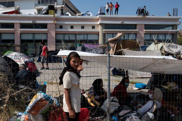 Πιέζεται η Μέρκελ να δεχτεί και άλλους πρόσφυγες από τη Μόρια | tanea.gr