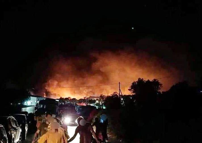 Πύρινη κόλαση στη Μόρια: Έκτακτη σύσκεψη στο Μαξίμου για την καταστροφή στο ΚΥΤ | tanea.gr