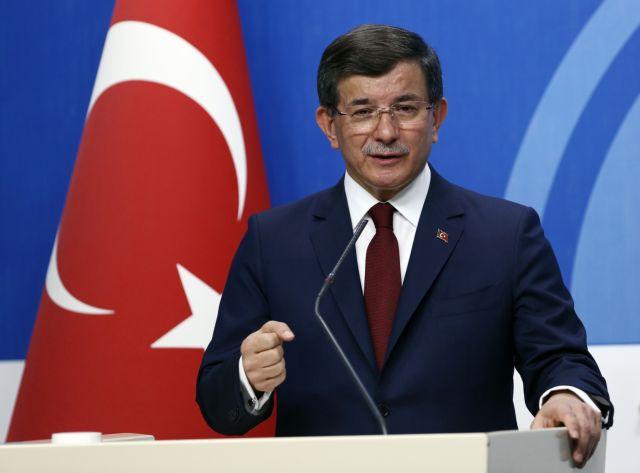 Νέα πυρά Νταβούτογλου σε Ερντογάν: H Toυρκία καταστρέφεται στα χέρια ανίκανων και άσχετων   tanea.gr