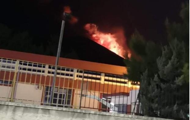 Χωρίς ενεργό μέτωπο η πυρκαγιά στην Καμάριζα Λαυρίου μετά από ολονύχτια μάχη με τις φλόγες | tanea.gr